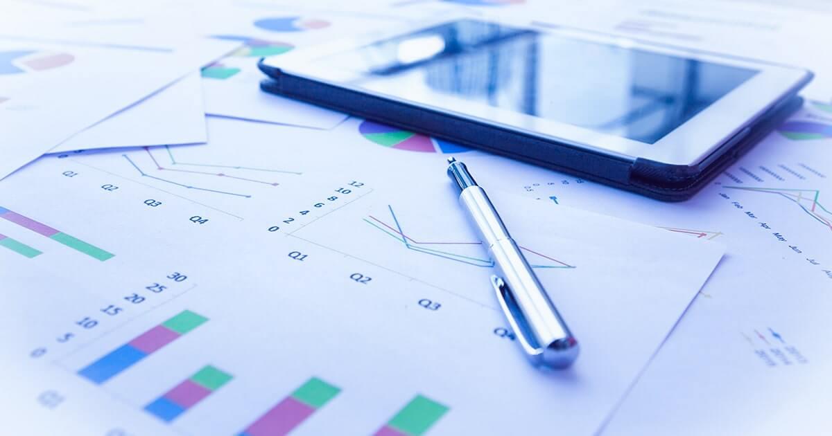 статистика с графиком денег-shutterstock
