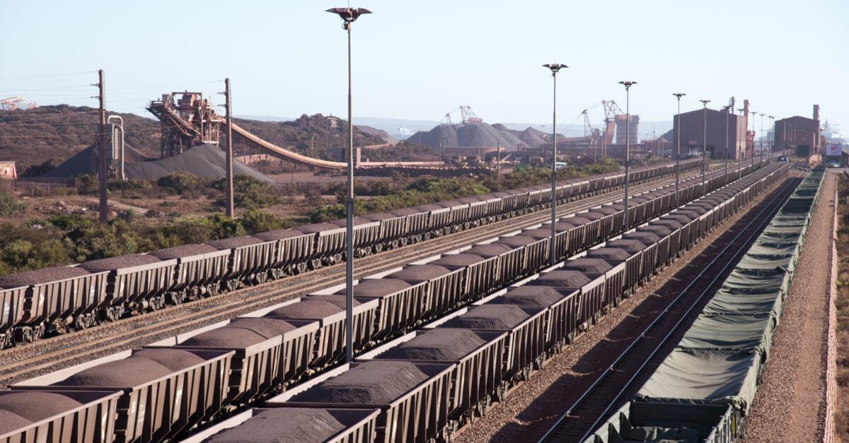 ЮАР: отгрузки руды отложены на неопределенный срок из-за аварии на железной дороге ©shutterstock.com