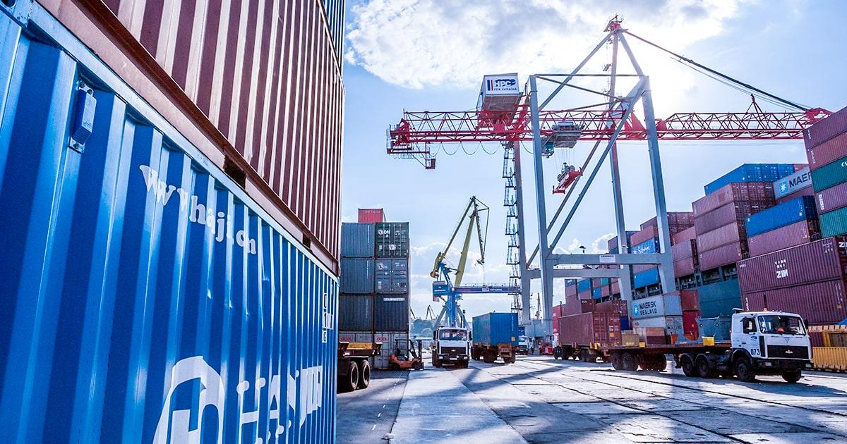 Одесский порт - один из крупнейших портов на Черном море - shutterstock