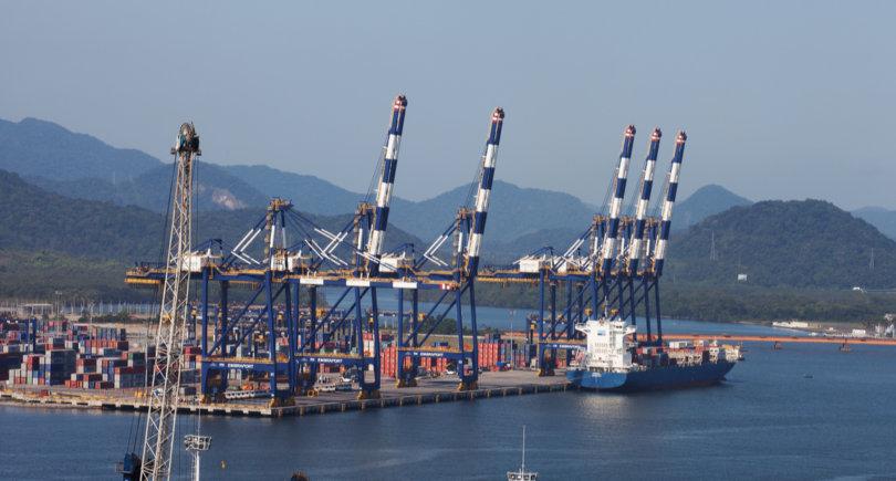 Бразилия предъявила ЕС счет за убытки от ограничений импорта © shutterstock.com