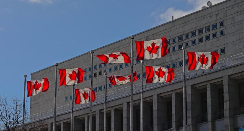 Торговый трибунал Канады требует отменить пошлины на импорт стали © shutterstock.com