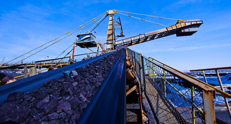 ЦеКитайская железная руда подорожала до рекордных $100 за т © shutterstock.com