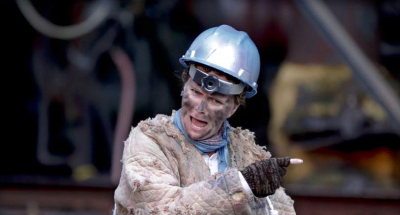 США: пьесу Шекспира показывают на бывшем сталелитейном заводе (c)www.news.yahoo.com