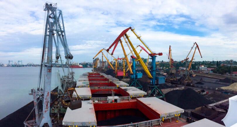 Экспорт черных металлов через порты в январе-мае упал на 3,7% (c) www.urf.ua