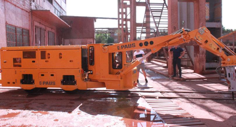ЗЖРК приобрел универсальную машину для шахты © www.zgrk.com.ua