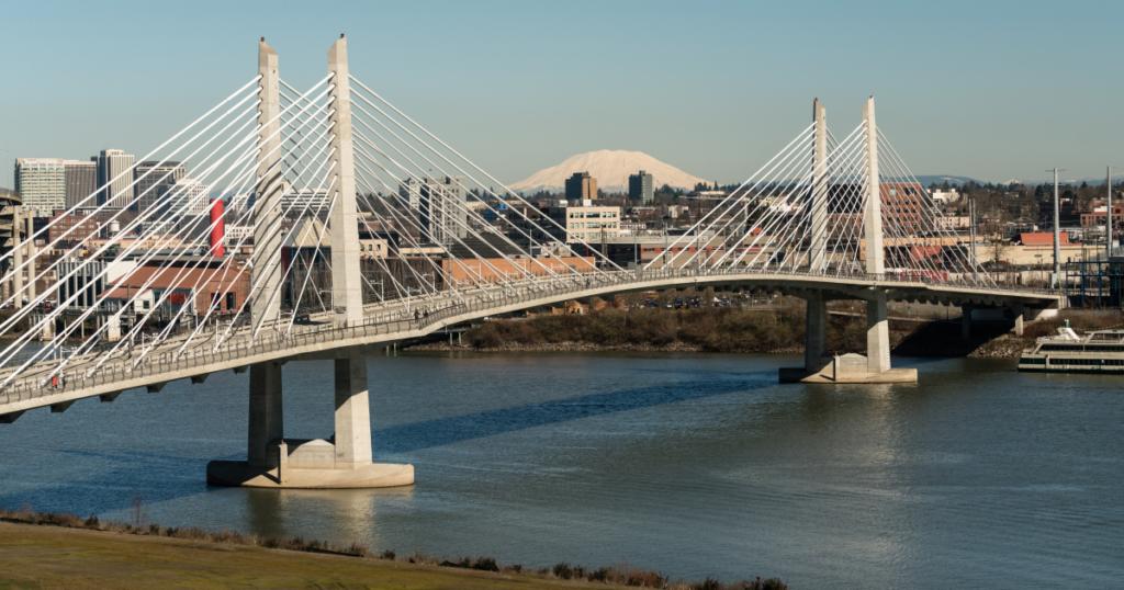 Мост Тиликум в штате Портленд, США (c) www.shutterstock.com