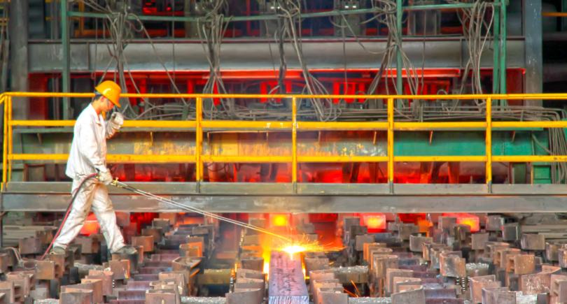 Таншань продлил производственные ограничения на 48 комбинатах © shutterstock.com