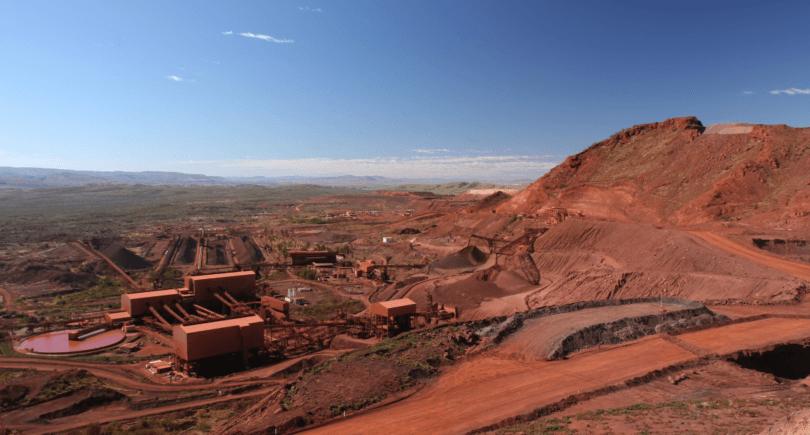 Китайские цены на железную руду упали на 3,1% до $ 103,2 за т (c) www.shutterstock.com