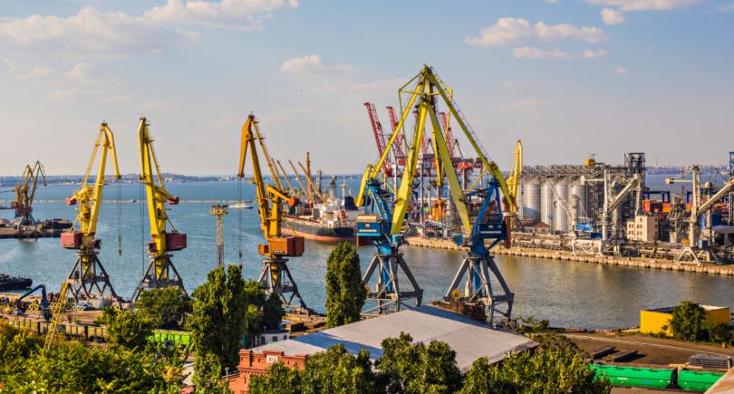 Азовские порты потеряли 6 млрд грн из-за агрессии России (с) shutterstock.com