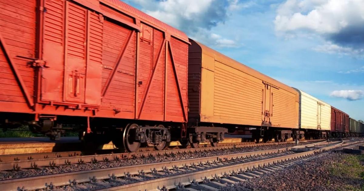 Грузовые перевозки упали в первом полугодии на 0,6% (с) neolit.ua