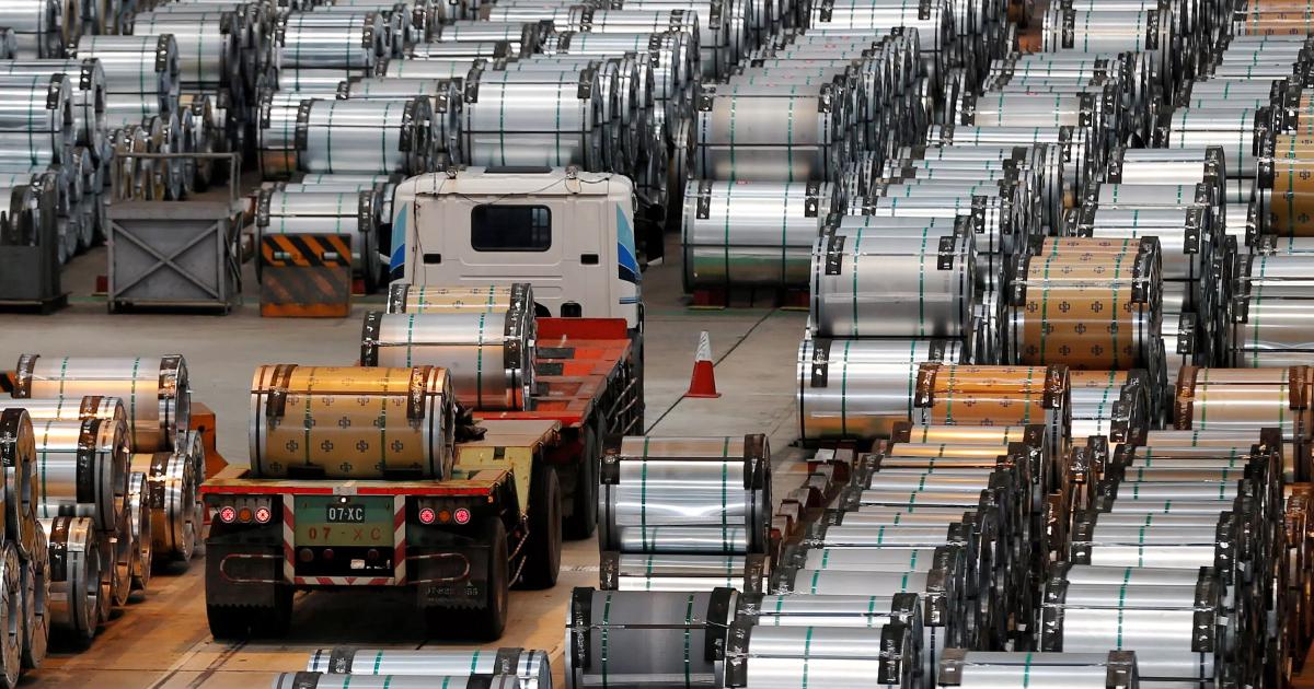 Железорудные фьючерсы в Китае снизятся в 2020 году