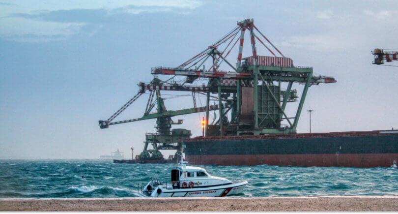 Рабочие ArcelorMittal Italia объявили бессрочную забастовку © greenme.it