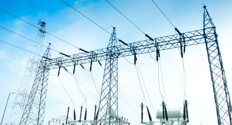 Кабмин снизит стоимость электроэнергии для крупных промпотребителей (c) shuuterstock.com